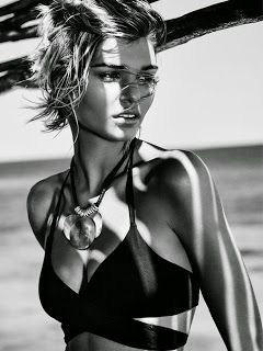 Dior bikini perfecting scrub