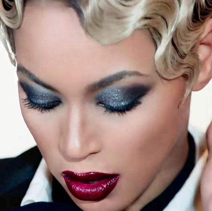 Beyonce haunted smokey eye