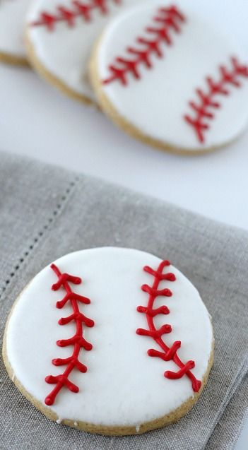 Baseball Sugar Cookies - so simple but CUTE!