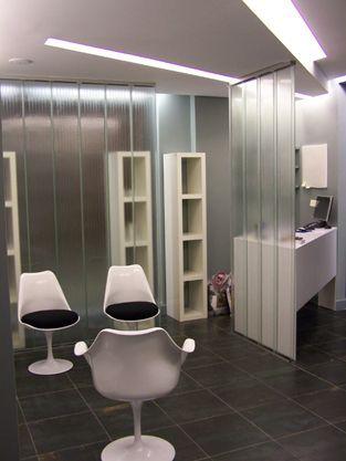 ESTETICA ALIRE. Reforma de local para Centro de Estética. El U-glass nos permitió una división de espacios sin renunciar a la visión general del conjunto.