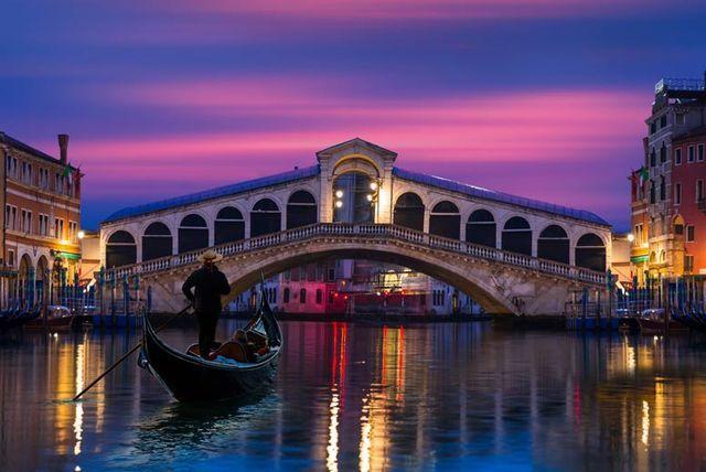 4* Romantic Venice Break & Flights - Valentines Dates!