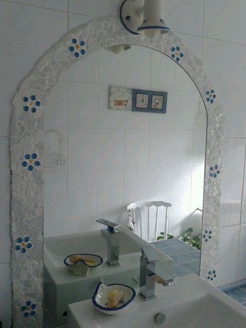 Mosaico en el espejo del baño