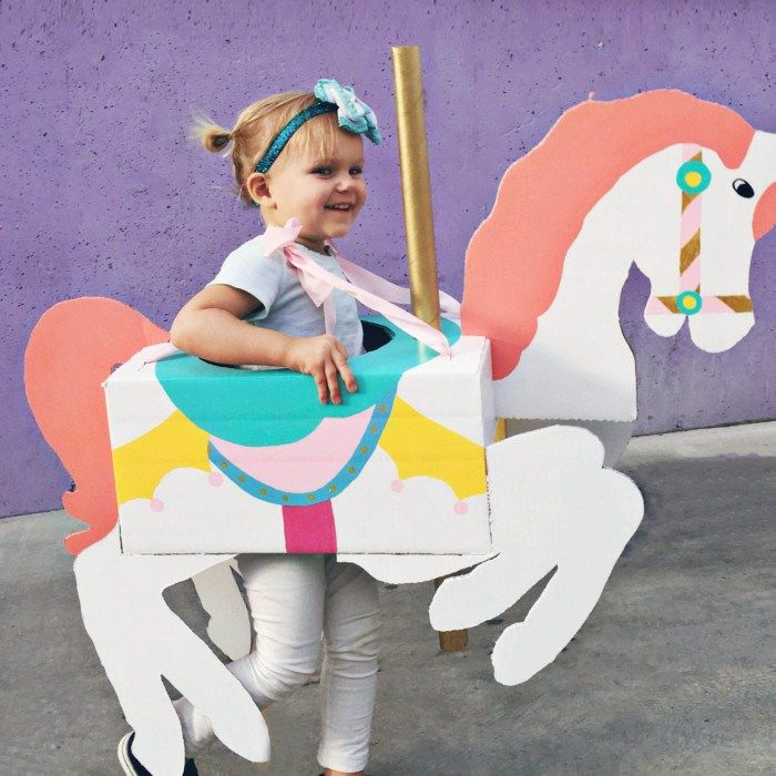Diy déguisement cheval - A cheap carousel horse costume DIY from cardboard that is CHEAP and adorable! | A Joyful Riot