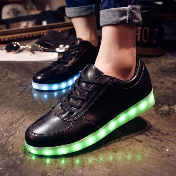Tenis Con Luces at Fluoshoes.mx You can go through here for more information at https://fluoshoes.mx/producto/luna-llena