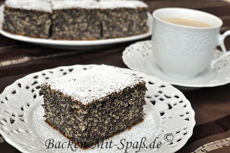 Juicy Poppy Seed Cake with Apples - (Google translate from German)