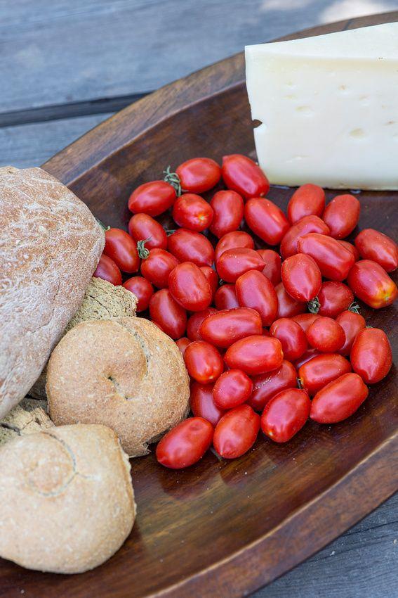 Greek #Bread, Kefalotyri #Cheese & Pomodoro Tomatoes
