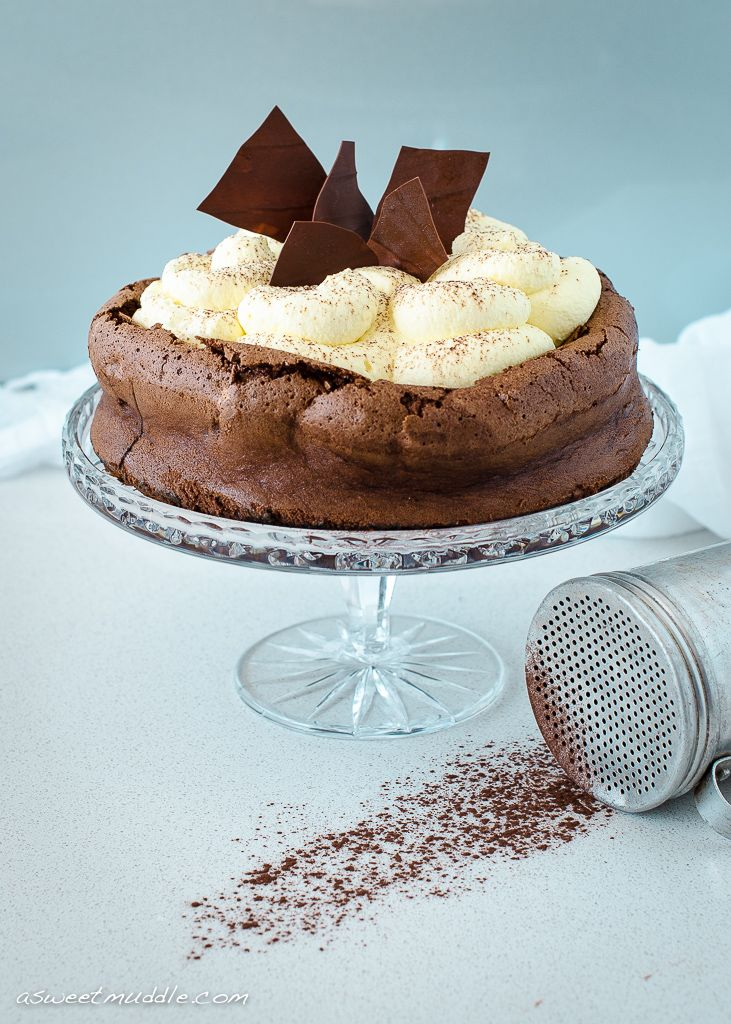 Chocolate cloud cake | Food and Cocktails | Pinterest