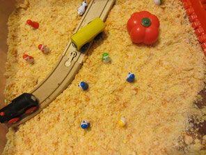 Domowy piasek/Pingwinki jadą w podróż - baw się, rozmawiaj i ucz!