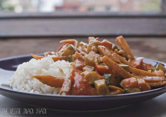 The Veggie Snack Shack: Kokos curry met groenten en rijst