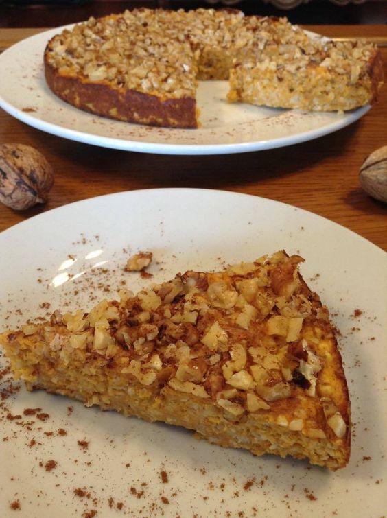 Tarte de abóbora, aveiae noz(proteicae com menos de 100kcalpor fatia) Uma tarte de abóbora e aveia que leva apenas claras, o que q...