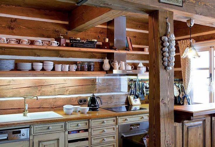 Chalupa z pohádky: Stylový interiér roubenky - kuchyň