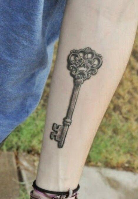 Key tattoo / tatuaje llave