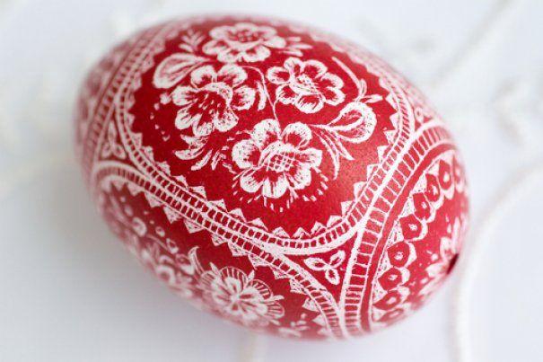 Easter egg from Moravia decorated  scraping / Moravská kraslice zdobená vyškrabováním