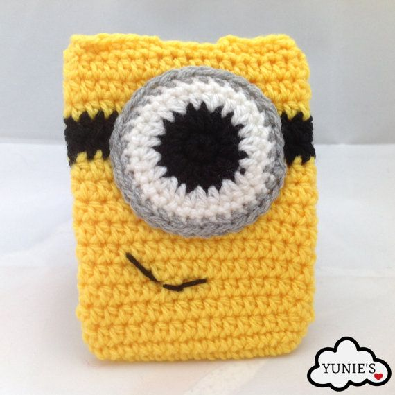 Crochet Despicable Me Inspired Minion Button Pouch by Yunies