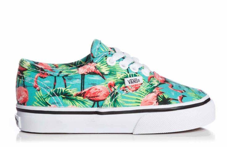 Wauw, wat een gave print!! Je voetjes kunnen alvast op vakantie met deze tropische sneakertjes. Deze veter sneakertjes zijn helemaal gemaakt van canvas. Ze hebben een vrij soepele rubberen zool.