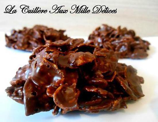 La meilleure recette de Roses des sables! L'essayer, c'est l'adopter! 5.0/5 (1 vote), 1 Commentaires. Ingrédients: 200 gr de chocolat noir  100 gr de pétales de maïs nature (Corn flakes)  60 gr de beurre  2 cuillères à soupe de sucre glace (Facultatif)