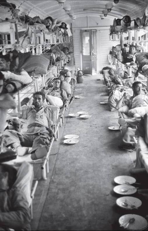 Spain - 1938. - GC - Tren hospital en el Frente del Ebro. Octubre de 1938 Fotografía: Serge Alternês.