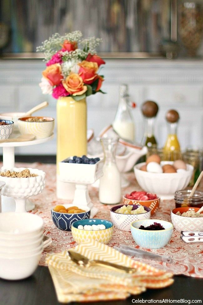 Set up a hot cereal breakfast bar for entertaining or a leisurely weekend brunch at home. Here are all the tips and ideas you'll need.
