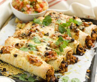 Recept: Tunnbrödsenchiladas med ananassalsa