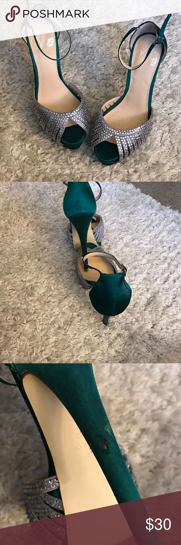 Colin Stuart heels The pictures did these shoes no justice!  This gorgeous Huntergreen heel with the platform is to die for! It has a slight nick on one of the heels but not that noticeable. Colin Stuart Shoes Platforms