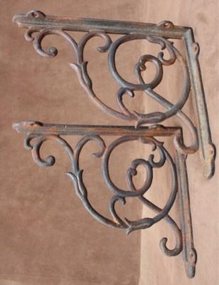 équerre patères fonte fer forgé étagères style ancien