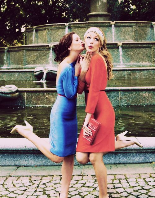 Leighton Meester and Blake Lively: best friend photography @AmyMuraki totally reminds me of pics we took in SF on your bday one year by a fountain
