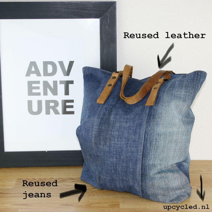 Hergebruikte spijkerbroeken en hergebruikt leer. Upcycling with style!