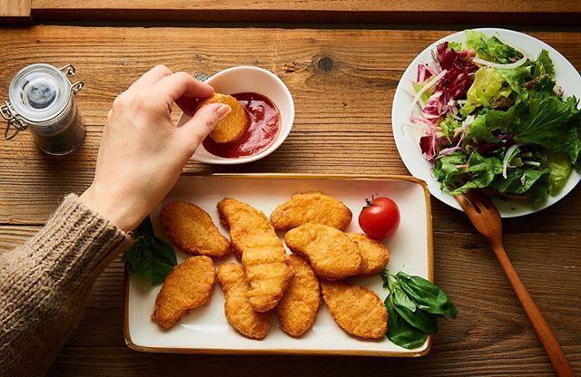 今日はサラダとチキンナゲットランチ♬  #ウェンディーズ #ファーストキッチン  #チキンナゲット #ナゲット #国産 #鳥 #ハンバーガー #チキン  #肉 #鶏肉 #料理  #ぷりぷり #サクサク  #休憩 #おいしい #美味しい #夕ご飯  #夜ごはん #夕食 #お昼ごはん #朝食 #テイクアウト #チーズ #beef  #buger  #bugerlove #dinner  #lunch  #delicious #chicken