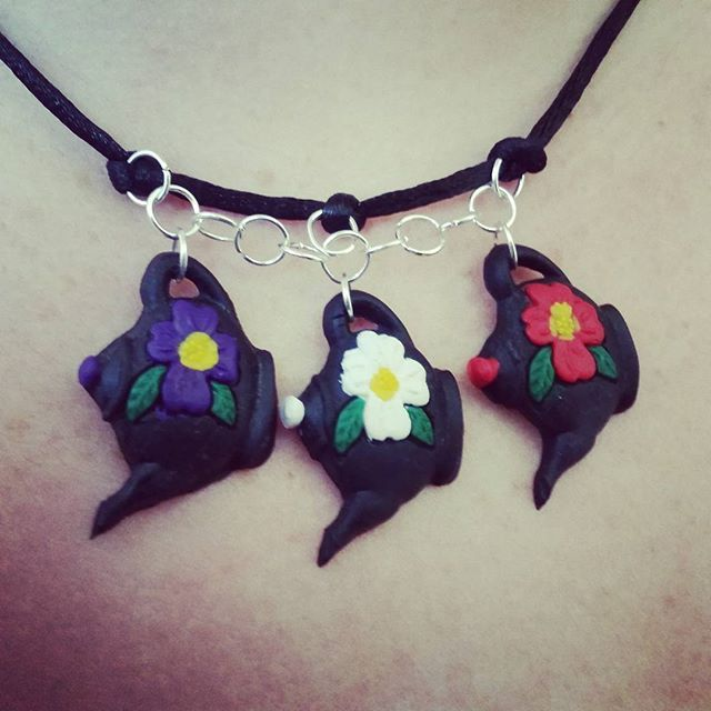 Mini Teapot Necklace by Ashen Remains  #polymerclay #handmadejewellery #miniteapots #ashenremains