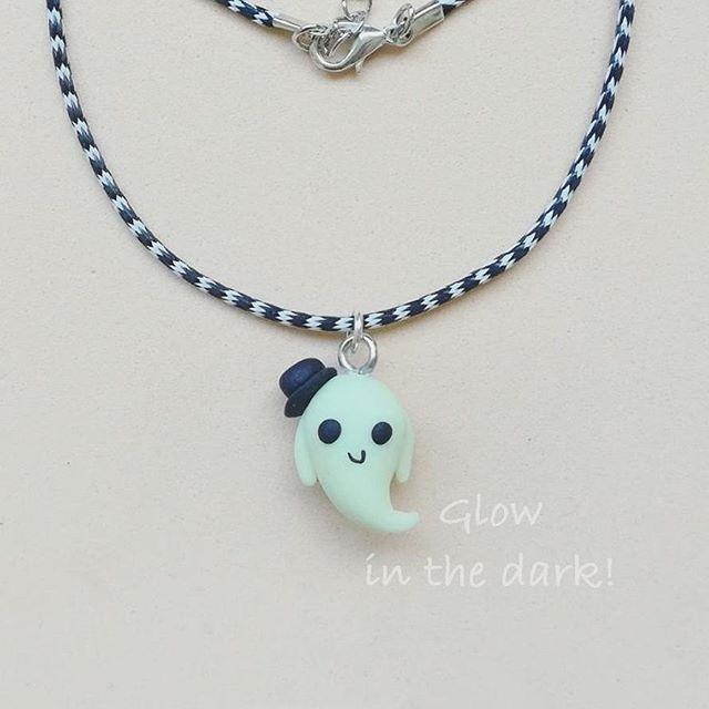 Halloween Glow in the dark Ghost Fimo Clay Necklace Fantasmino Lord Ghostly Trick or treat Ciondolo Cordino Fluorescente Fosforescente