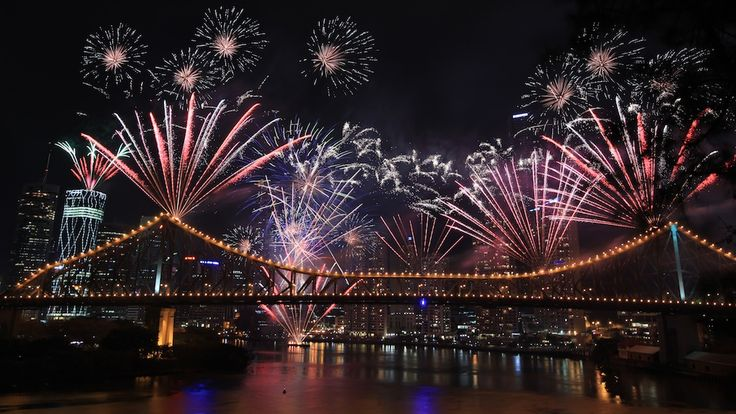 Fireworks Photography! #brisbane #australia  Come join #Coneyisland #Nyc fireworks photography lass every second Friday night www.rememberforever.co under book now usa workshops