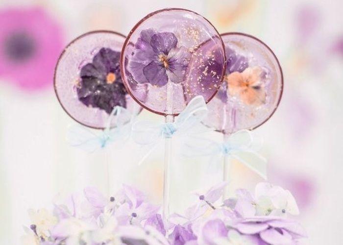 食べられるお花が埋まったキャンディー♡《エディブルフラワーロリポップ》の作り方*のトップ画像