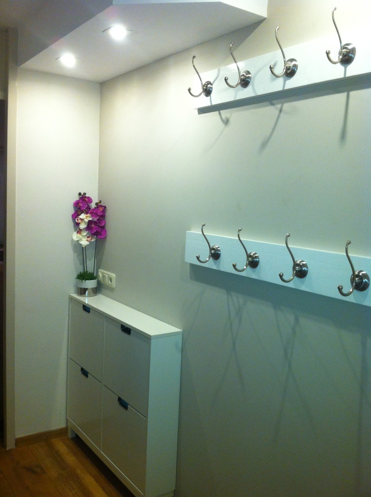 My new hallway. With Ikea shoedrawer, Ikea hooks, Color on wall and wood: Flexa Coleur Local Nepal White/ Taupe
