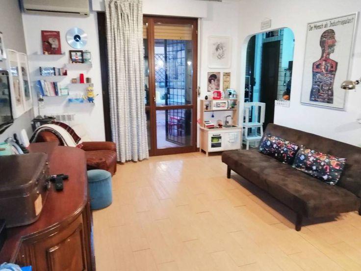 Vendita Appartamento Roma. Trilocale in via Ortona de