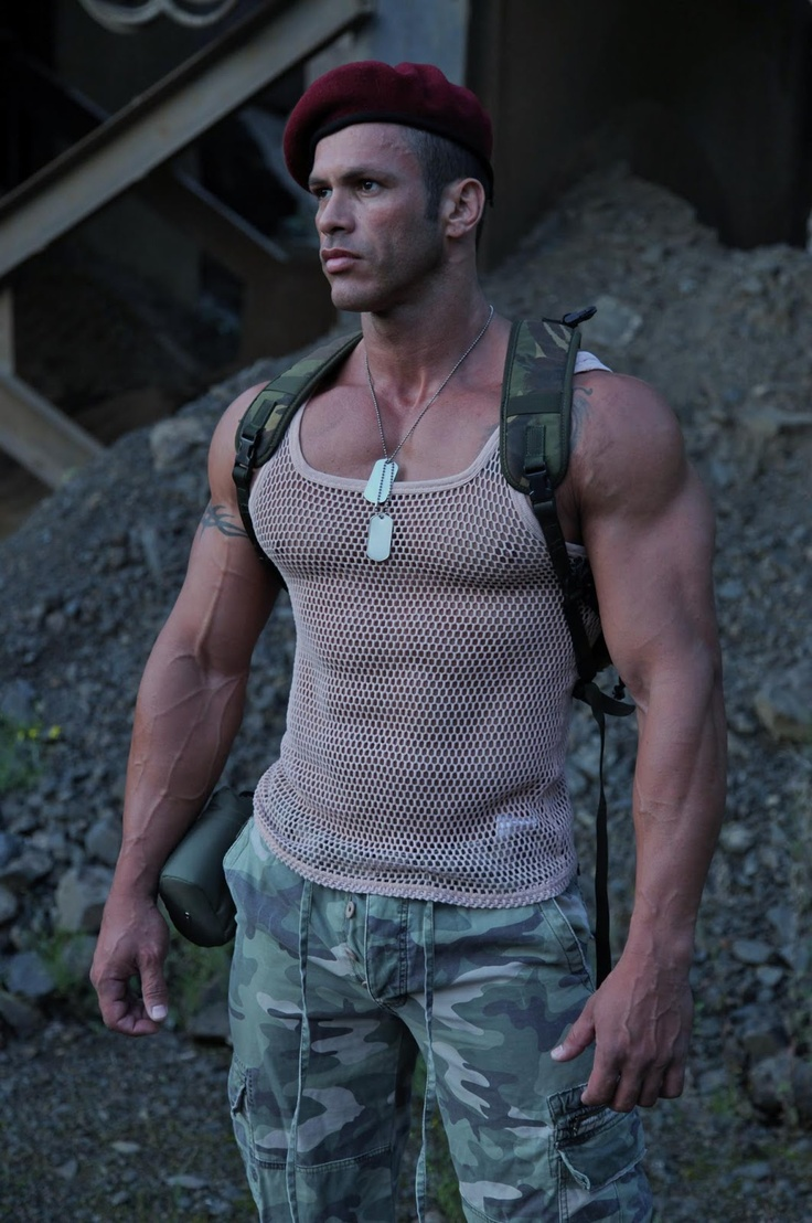 17 best images about uniformes on pinterest sexy models for Buff dudes t shirt