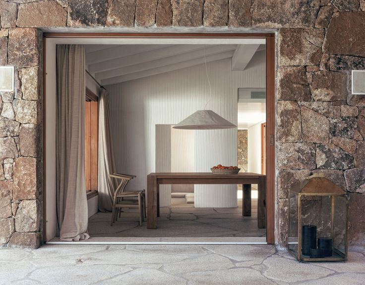 STONE HOUSE BY THE SEA by Studio Parisotto+Formenton    Paolo Utimpergher