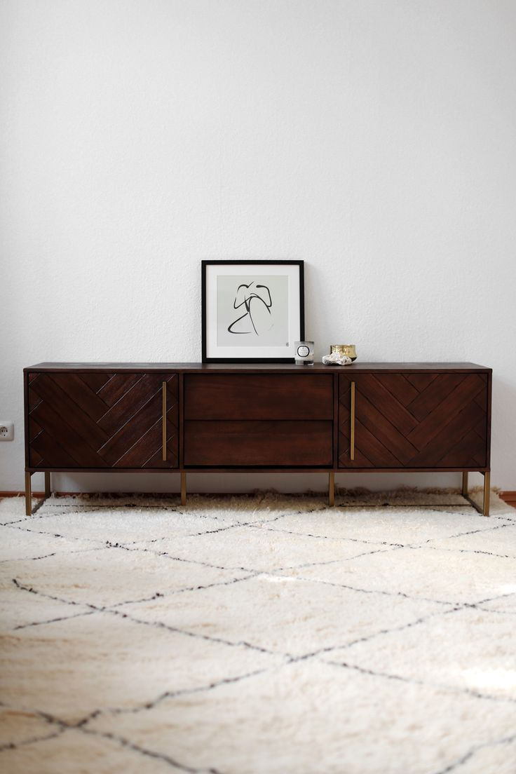 Home Office Details with Dutchbone Vintage Mid-Century inspired Sideboard with Brass Details, 60s moroccan Beni Ourain Berber rug, Illume and Parks London candles and G&C interiors print. See more on www.thedashingrider.com | Interior | Design | Home Decor | Home Story