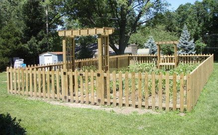 garden fence and arbor = loveGardens Ideas, Snake-Rail Fence, Gardens Fence, Fence Ideas, Turn Fat, Cleaning Design, Vegetables Gardens, Virginia Fence, Snakes Fence