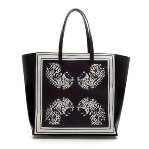 """HOST PICKZara bag New with tag. H 14"""" x L 14.5 x W 4"""" Zara Bags"""