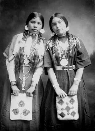 Native American girls, Spokane tribe.