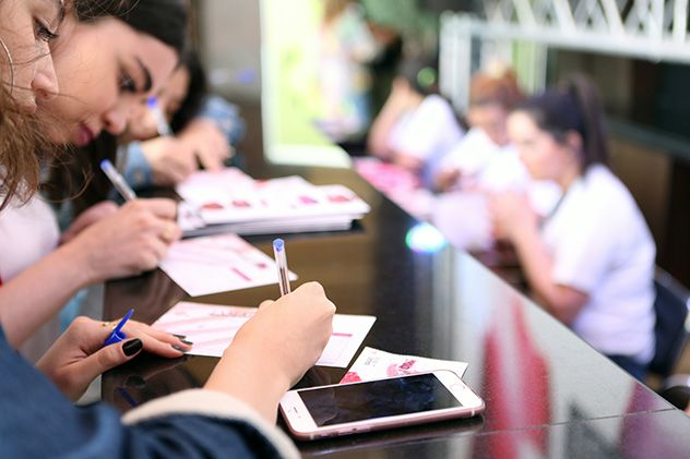 اليوم الأوّل من JamaloukiCon: نجاحٌ يؤكّد أن بيروت لا تزال عاصمة الموضة والجمال