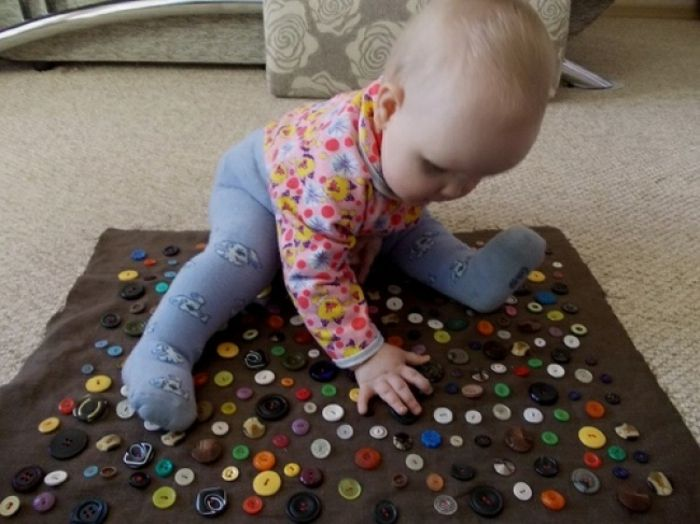 Basteln mit Kindern bastelideen diy ideen kinderspiele wasser knöpfe