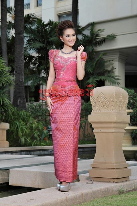 17 best images about fashion model on pinterest for Khmer dress for wedding party