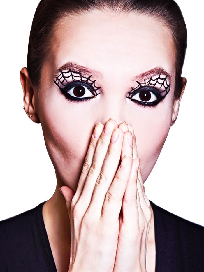 Easy Makeup Tutorial And Style For Android: 5 Pretty Halloween Looks That Only Require Eyeliner