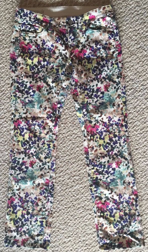 Beautiful Women's Ann Taylor White/Colorful Floral Jeans, Slim/Skinny Fit, Low Rise.