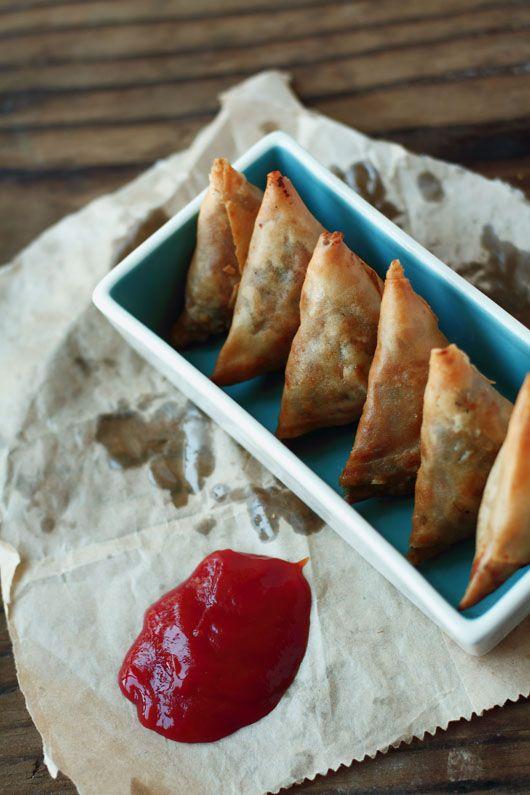foodwanderings: Lentil Stuffed Samosas – Dal ke Samose a Guest Post by Journey Kitchen