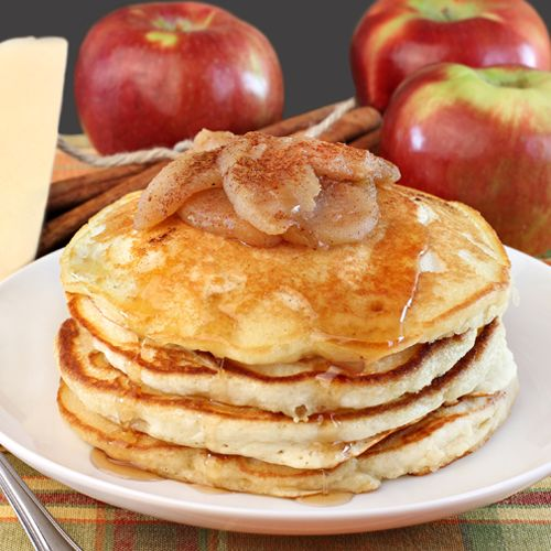Delicious pancakes with autumn apples and a syrup....mmmm!