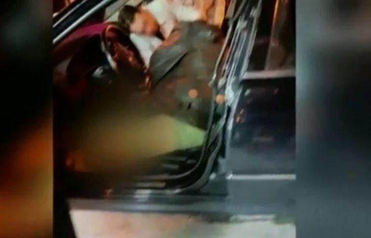 Ο Βασίλης Στεφανάκος «γαζωμένος» μέσα στο αυτοκίνητο! Σκληρές εικόνες λίγο μετά τη δολοφονία Σας ενδιαφέρουν                          Έτσι «ταρακουνάει» τον Ολυμπιακό ο Μαρινάκης &#821...