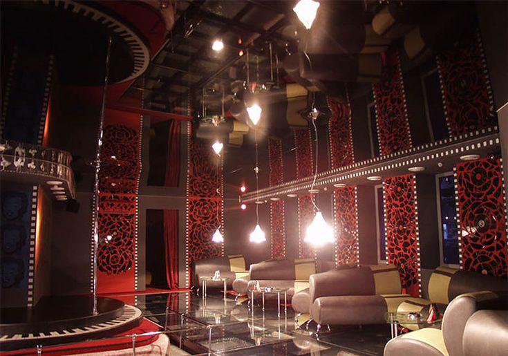 натяжной потолок в ночном клубе