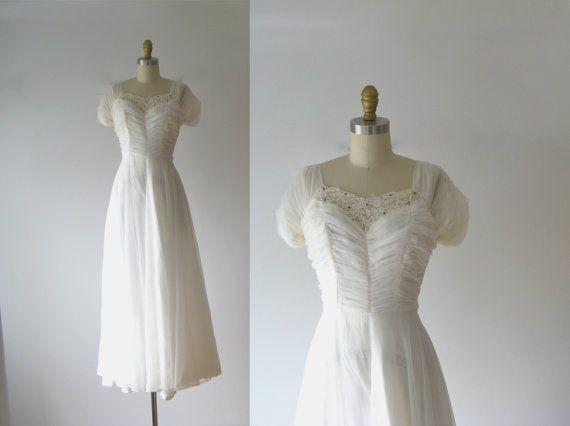 vintage 1940s wedding dress / 40s wedding dress